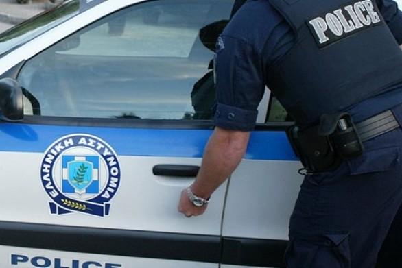 Βόλος: Έσπαγε ανενόχλητος καθρέπτες αυτοκινήτων