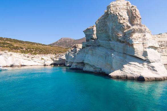 """Καλύτερο νησί της Ευρώπης η Μήλος για το περιοδικό """"Travel and Leisure"""""""
