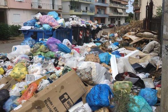 Μικρή ανάσα για το Αίγιο - Άμεση συγκομιδή 8 τόνων απορριμμάτων από τους χώρους της πόλης