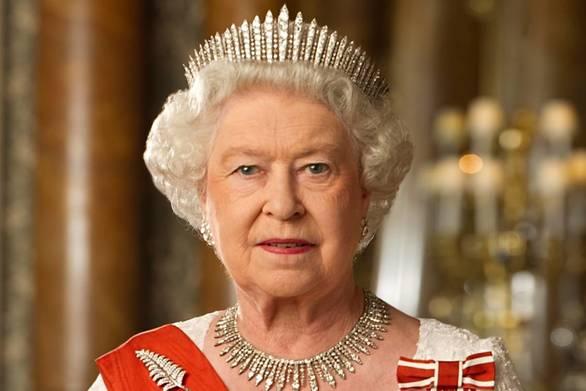 Μάθετε τι έχει πάντα στην τσέπη της η βασίλισσα Ελισάβετ