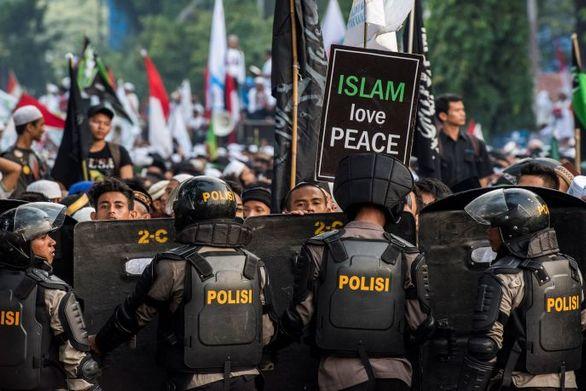 Αστυνομικοί σε ειδική αποστολή... αδυνατίσματος