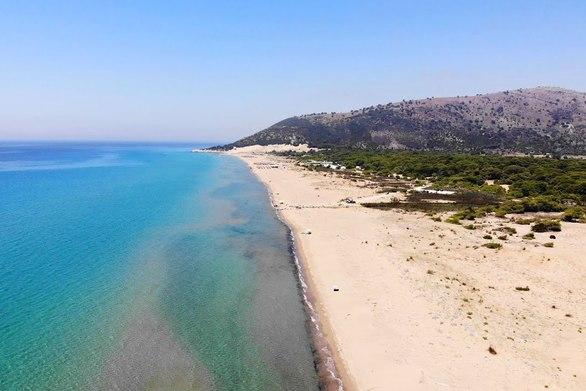 Καλόγρια - Μια παραδεισένια παραλία στην Αχαΐα (video)