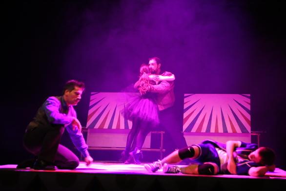 Πάτρα - Το Νότιο διαμέρισμα, είναι ο επόμενος σταθμός για τη θεατρική παράσταση «Μαμ»!