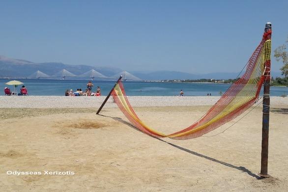 """Το γήπεδο του beach volley στην Πλαζ της Πάτρας """"λύγισε""""!"""