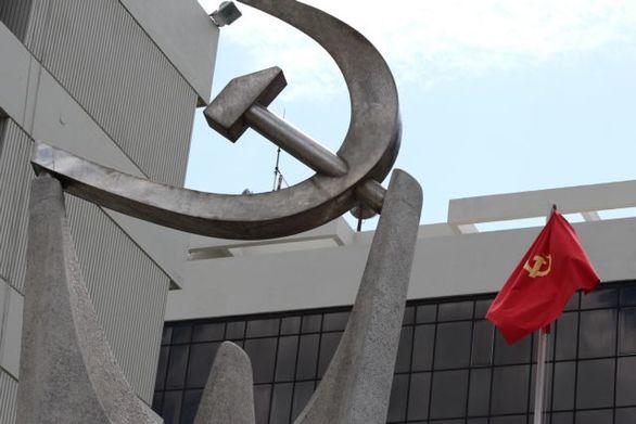 ΚΚΕ: Απαράδεκτη και προσβλητική η τοποθέτηση Καραμανλή