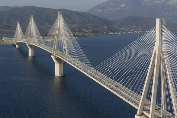 Η Γέφυρα Ρίου-Αντιρρίου το ένα από τα τρία μεγάλα έργα της χώρας