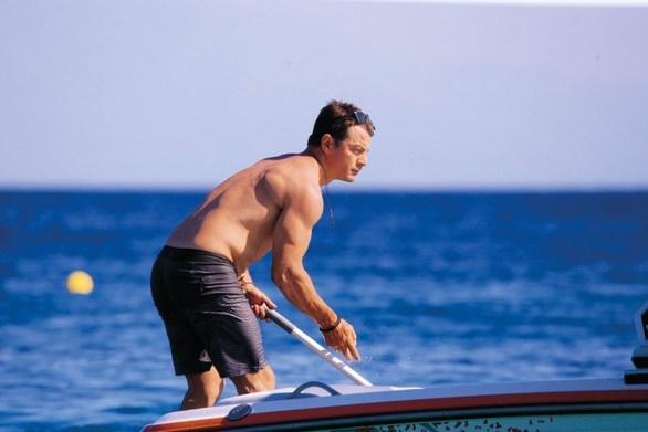 Διακοπές στο νησί του κάνει ο Γιώργος Αγγελόπουλος (φωτο)