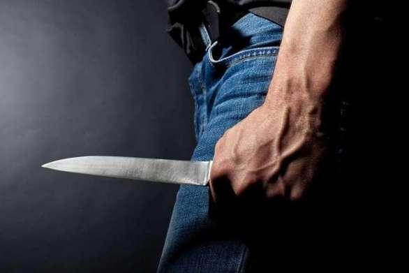 Πάτρα - Άνδρας απείλησε με μαχαίρι πελάτες μαγαζιού και περαστικούς