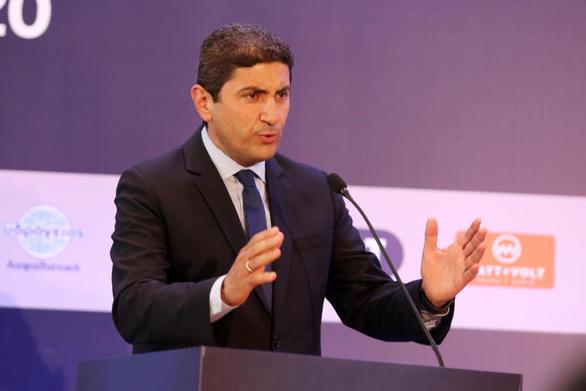 Έξαλλος ο Αυγενάκης με προσβολή στην Ελλάδα!