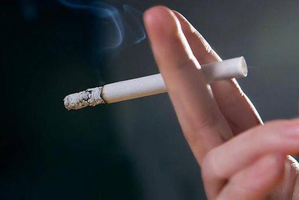 «Καμπάνα» 100 ευρώ σε εργαζόμενη του νοσοκομείου «Γ. Γεννηματάς» επειδή κάπνιζε