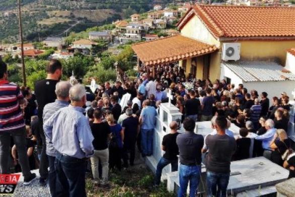 Δυτική Ελλάδα: Πλήθος κόσμου είπε το τελευταίο αντίο στον 32χρονο Γιώργο Κολώκα