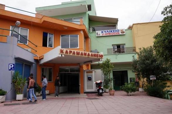 Πάτρα - Παιδάκι μεταφέρθηκε στο Καραμανδάνειο, συνοδεία αστυνομικών