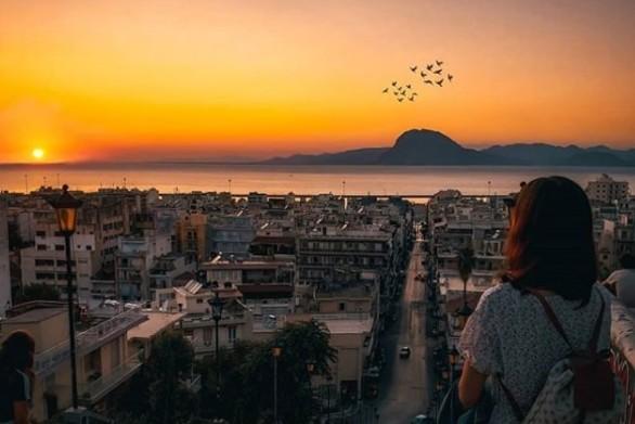 Το ηλιοβασίλεμα από τις σκάλες της Αγίου Νικολάου μας μεταφέρει σε άλλη διάσταση (pics)