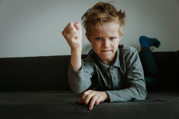 Τι μπορείτε να κάνετε όταν το παιδί αντιμιλάει