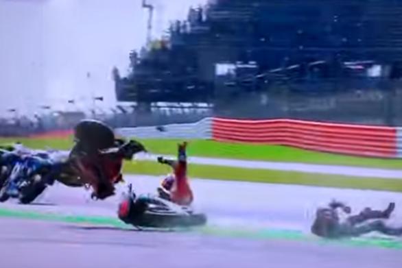 Βρετανία - Τρομακτικό ατύχημα στο Moto GP (video)