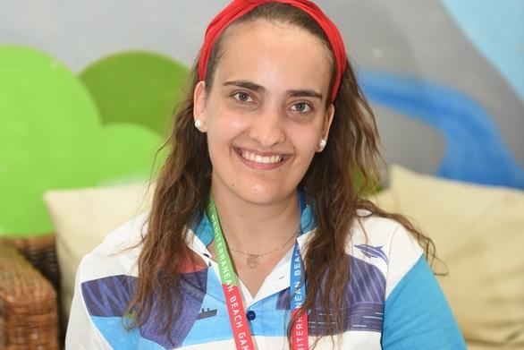 Ζαφειρώ Γκιάλη - Η εθελόντρια που ζει το όνειρο της στην Πάτρα