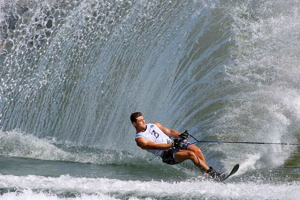 Water Skiing - Slalom: Ε - σκι - σαν Κύπριος και Frank