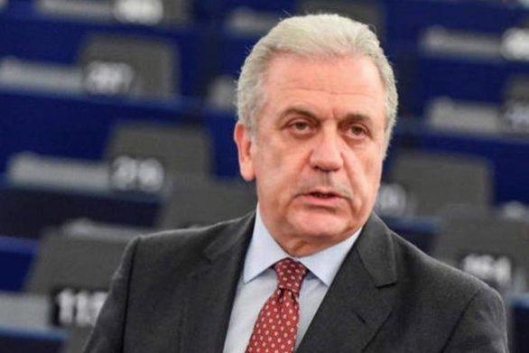 """Δ. Αβραμόπουλος: """"Οι χώρες της ΕΕ πρέπει να ενισχύσουν την επανεγκατάσταση προσφύγων"""""""