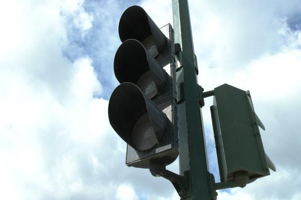 Απίστευτο περιστατικό στη Ζαχάρω - Έκλεβε ρεύμα από τα φανάρια