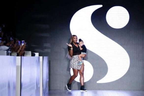 Η Serena Williams με την κόρη της στο catwalk της NYFW! (φωτο)
