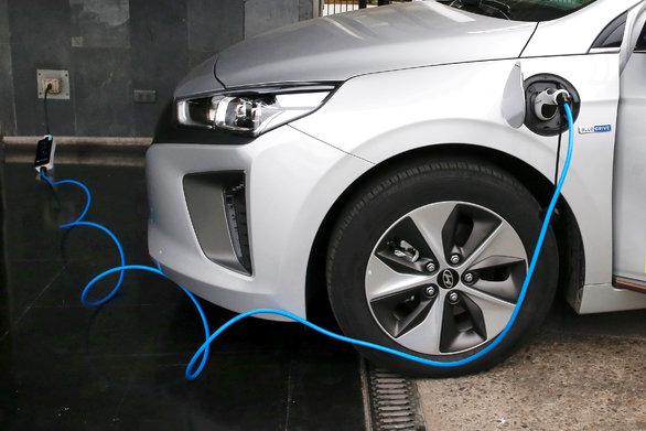 Η Καρδίτσα αποκτά σταθμό φόρτισης ηλεκτρικών αυτοκινήτων
