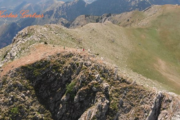 Αχαΐα - Drone πετάει πάνω από το όρος Καλλιφώνι (video)