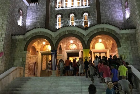 Πάτρα: Πανηγυρίζει ο Ιερός Ναός της Αγίας Σοφίας - Πλήθος πιστών