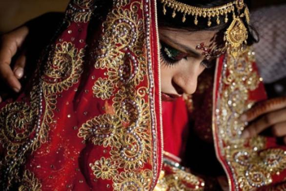 Η Ινδονησία αύξησε στα 19 το νόμιμο όριο ηλικίας για γάμο