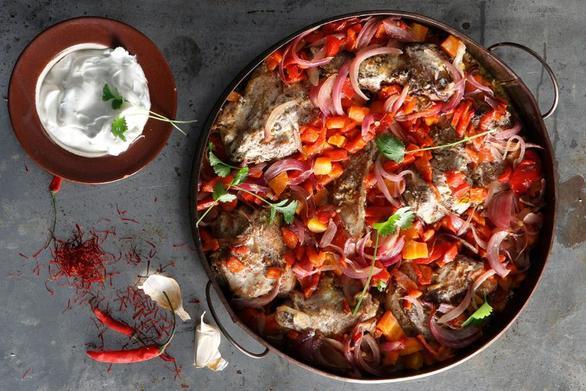 Συνταγή για αρνάκι στη γάστρα με πιπεριές