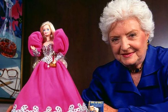 H Rita Wilson ετοιμάζει ταινία για τη ζωή της δημιουργού της Barbie