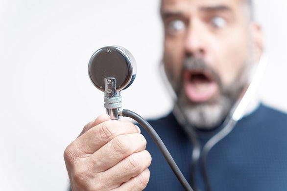 Υψηλότερος ο κίνδυνος υπέρτασης για όσους πάσχουν από περιοδοντίτιδα