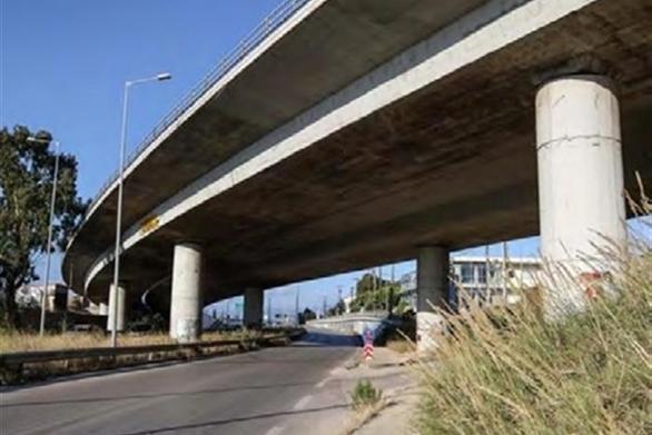 Πάτρα: Οιωνούν κινδύνους οι δίδυμες γέφυρες στον Χάραδρο