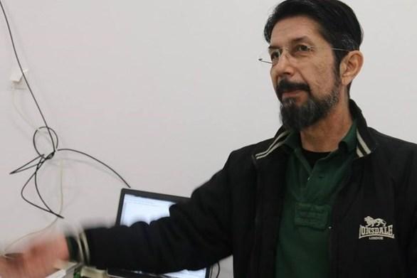 """Χουλιάρας εναντίον Λέκκα: """"Δεν είναι σεισμολόγος"""""""
