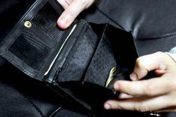 Πάτρα: Άρπαξε πορτοφόλι από καφετέρια