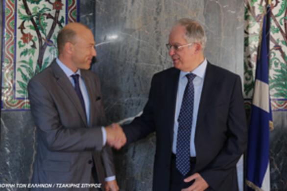 Συνάντηση του Προέδρου της Βουλής των Ελλήνων με τον απερχόμενο Πρέσβη της Τσεχίας (φωτο)