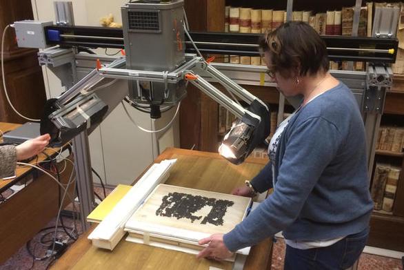 Επιστήμονες κατάφεραν να διαβάσουν αρχαιοελληνικό κείμενο σε πάπυρο