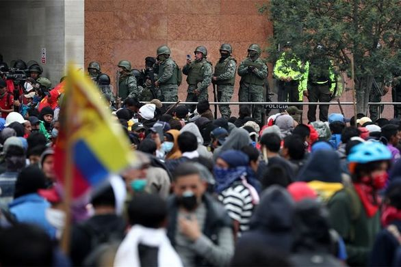 Ισχυρές συγκρούσεις διαδηλωτών με την αστυνομία στον Ισημερινό