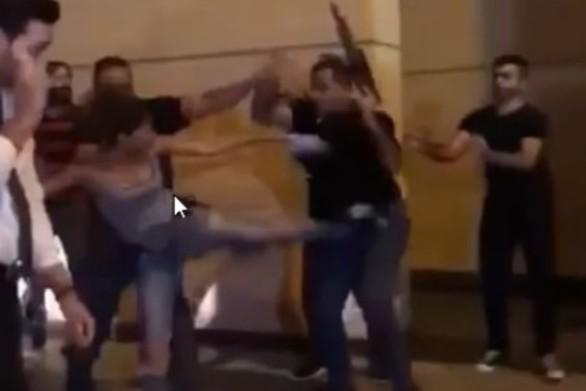 Λιβανέζα έγινε σύμβολο αντίστασης επειδή κλώτσησε σωματοφύλακα υπουργού (video)
