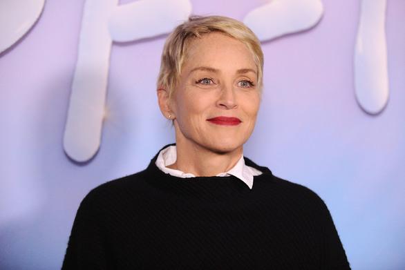 """Η Sharon Stone αποκαλύπτει γιατί δεν θα μπορούσε να γυριστεί σήμερα το """"Βασικό Ένστικτο""""!"""