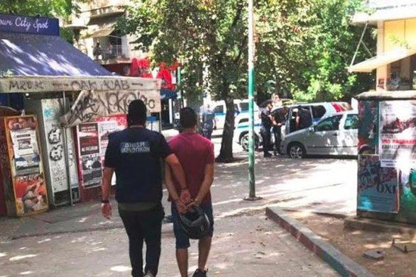 Πάτρα: Πάνω από 20 συλλήψεις σε μια μόλις εβδομάδα σε πλατείες και δημόσιους χώρους