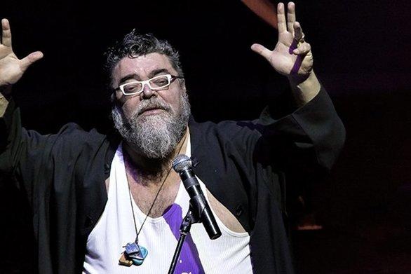 """Σταμάτης Κραουνάκης: """"O Λάκης Λαζόπουλος είναι ένας ηθοποιός που ήρθε στο σανίδι χωρίς άδεια"""" (video)"""