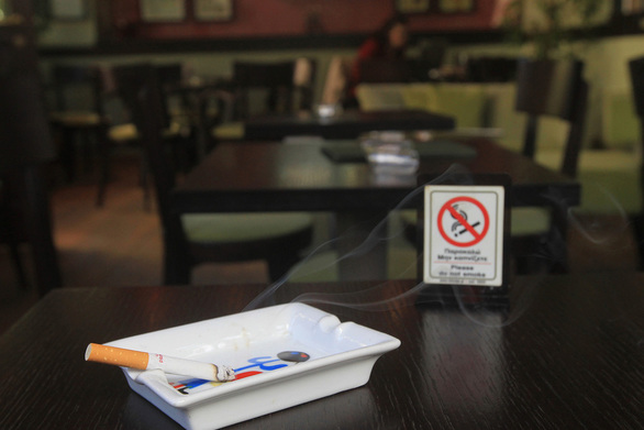 Πάτρα: Μπαράζ ελέγχων για το κάπνισμα - Τι φοβούνται στην εστίαση