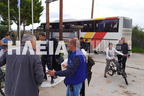 Ηλεία: Στην Μυρσίνη προσωρινά οι 55 μετανάστες που δεν έμειναν στην Moνή Πορετσού (φωτο)