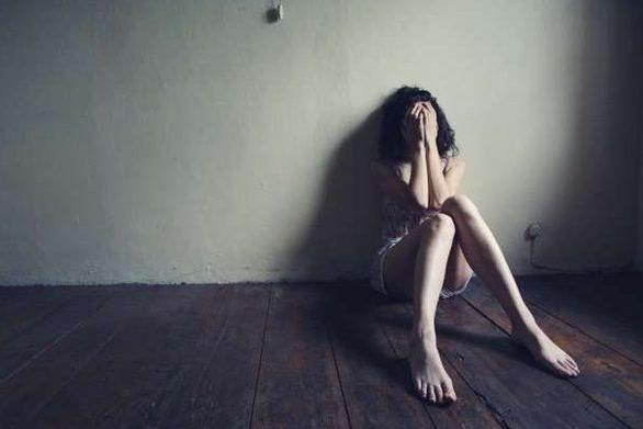 Μία στις 16 έγκυες γυναίκες στην Ελλάδα πέφτει θύμα ενδοοικογενειακής βίας