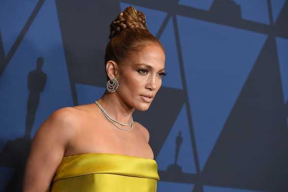 Jennifer Lopez - Σκηνοθέτης, της ζήτησε να δείξει το στήθος της πριν ξεκινήσει το γύρισμα (video)