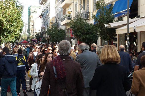 """Πλην οι ενδιάμεσες εκπτώσεις στην αγορά της Πάτρας - Μετά τον ούριο άνεμο ήρθε το """"μούδιασμα"""""""