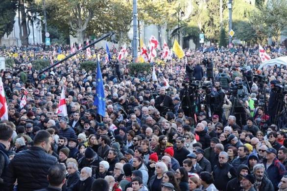 Στους δρόμους της Γεωργίας 20.000 διαδηλωτές