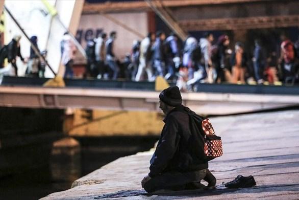 """Μετανάστης """"παππούς"""" ηλικίας... 81 ετών, στο νέο λιμάνι της Πάτρας"""
