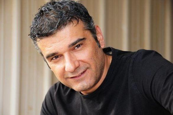 """Κώστας Αποστολάκης: """"Πήγα να κάνω το μαλλί μου μαύρο"""" (video)"""