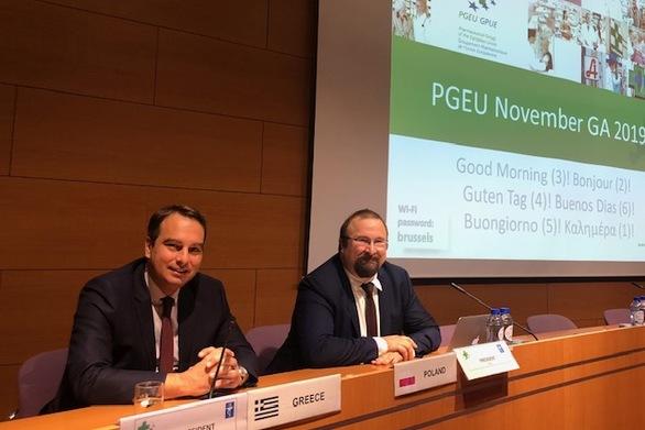 O Θανάσης Παπαθανάσης συμμετείχε στη Γενική Συνέλευση της Ευρωπαϊκής Ένωσης Φαρμακοποιών